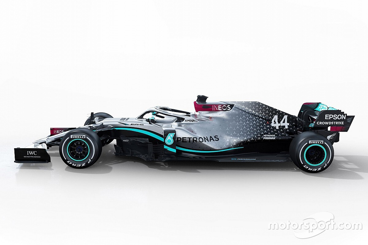 Чемпионы Формулы 1 показывают новую машину. Посмотрите на это прямо сейчас