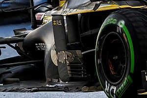 "F1メカ解説|まさに""汚れた英雄""……空力解明のヒントに? 黒く染まったF1マシン"