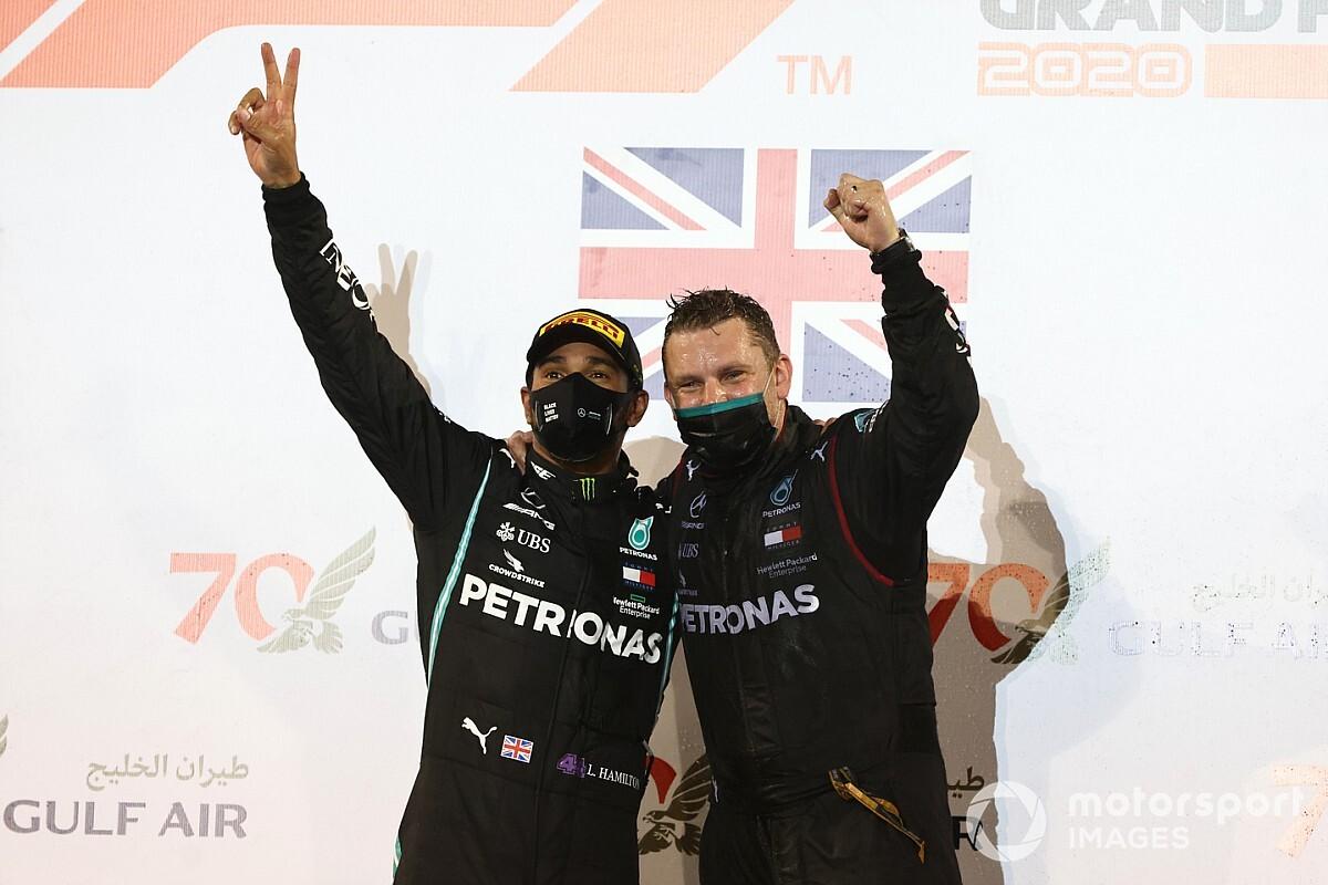 Közleményt adtak ki Hamiltonról – versenyezhet az F1-es Abu Dhabi Nagydíjon!