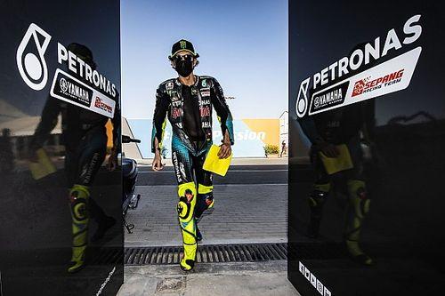 Rossi, molesto con quienes piden su retiro en Italia