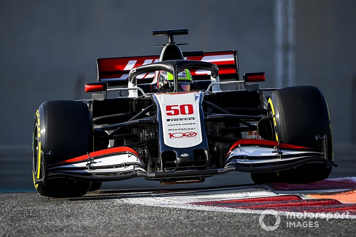 Schumacher, 2023 için Sainz'ın koltuğuna aday
