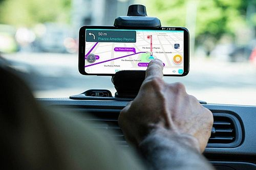Las mejores aplicaciones móviles para evitar multas de radar