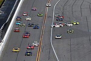 VIDEO: GT-wagens crashen voor de start van 24 uur van Daytona
