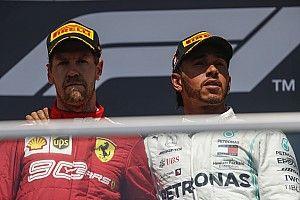 A kínos csend, amikor Vettel megérkezik: feszültség mindenhol (videó)