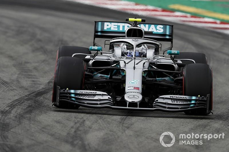 A Mercedes nem akart autót biztosítani a Pirellinek, aztán jött a Renault…
