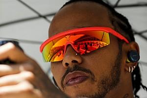 Hamilton megint odarakta magát a versenyzői felvonuláson