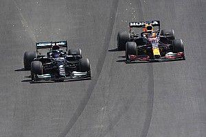 """Hamilton profiteert van foutje Verstappen: """"Dat was perfect"""""""