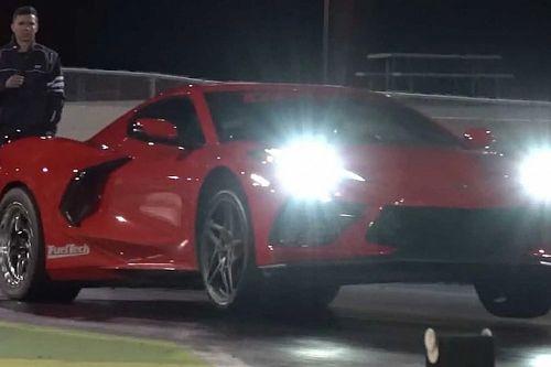 Videó: Olyan erős ez a tuningolt Chevy Corvette C8, hogy két kerékre kell állnia négyszáz méteren