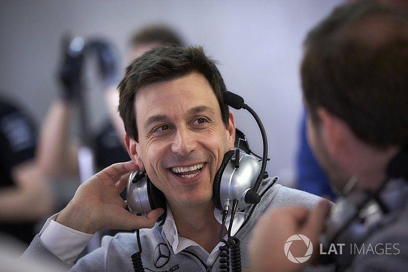 """Wolff: """"El enfrentamiento entre Hamilton y Vettel solo era cuestión de tiempo"""""""