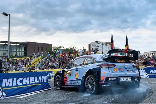 Neuville lastra sus opciones de título por un toque en Alemania