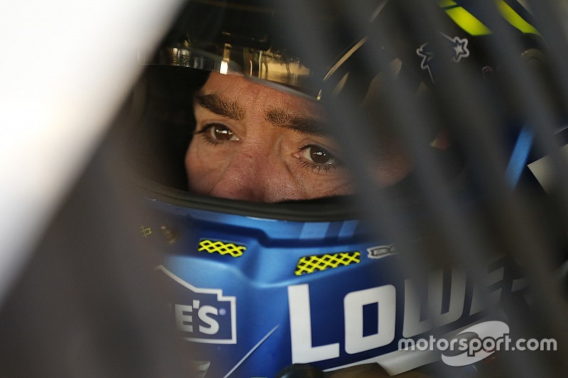 Sunday could be record-setting day for Jimmie Johnson