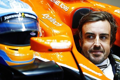"""Alonso """"sangat mungkin"""" bertahan jika McLaren beralih ke Renault"""