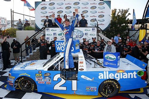 Sauter scores first win of 2017 after strategy puts him in the lead