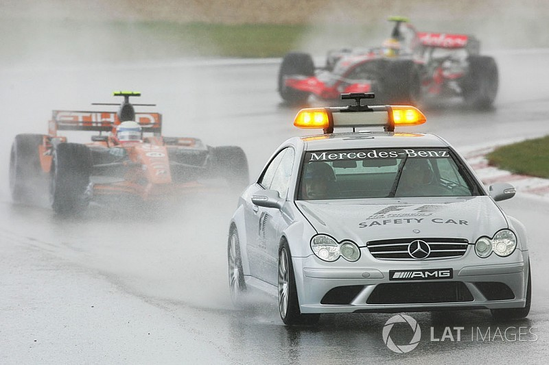 Галерея: усі автомобілі безпеки Mercedes у Формулі 1