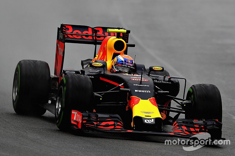 Button: Regenrace van Verstappen in Brazilië 2016 was buitenaards