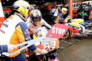 Ingekorte warm-up GP Japan: Marquez het snelst in de regen