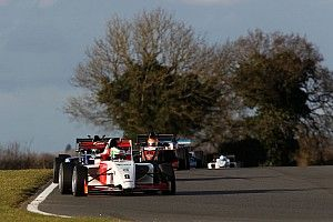 Brands Hatch BF3: Sowery takes dominant maiden British F3 win