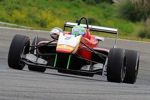Leonardo Pulcini trionfa in Gara 1 all'Estoril
