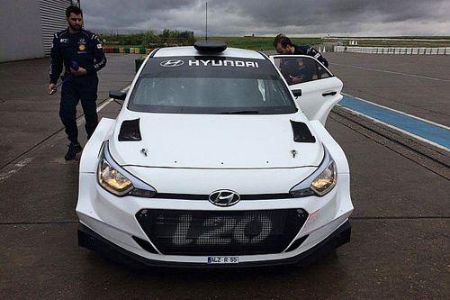 I piloti clienti provano per la prima volta la Hyundai i20 R5