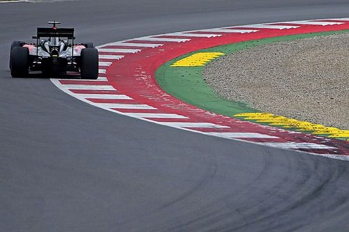 Button says removing kerbs is not the answer for F1