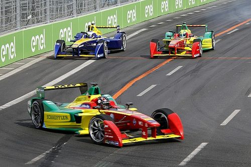 Di Grassi celebrates his 7th podium of the season