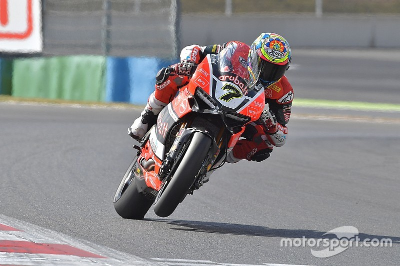 Magny-Cours WSBK: Davies passes Rea and Sykes to double up