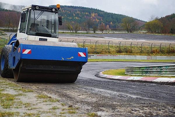 VLN News Nürburgring-Nordschleife: Neuer Asphalt und neue Zäune