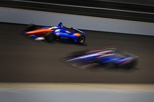 Онлайн. «500 миль Индианаполиса»: гонка