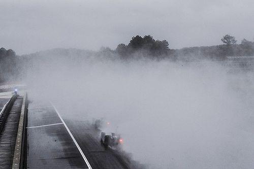 Гонку IndyCar в Бирмингеме остановили и перенесли на понедельник