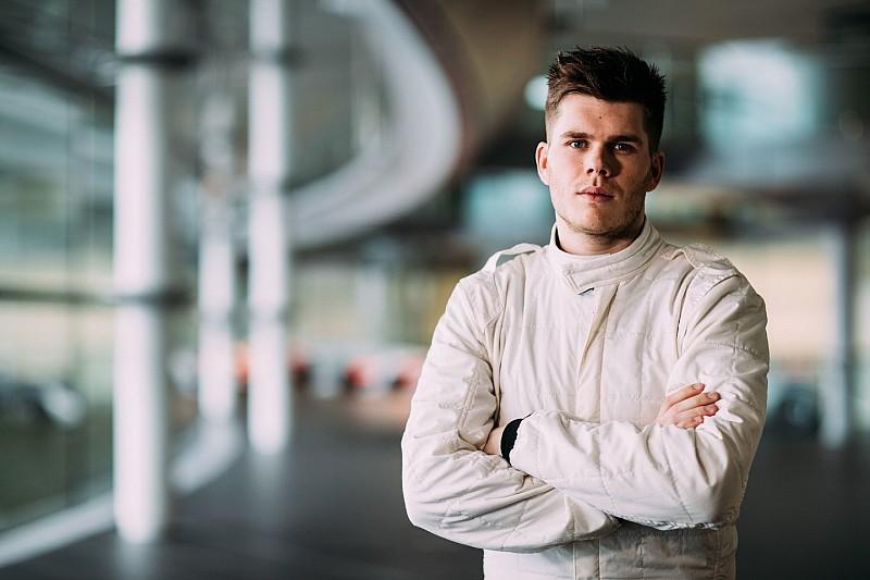 Esporter Van Buren en Vandoorne voor McLaren in actie tijdens Goodwood