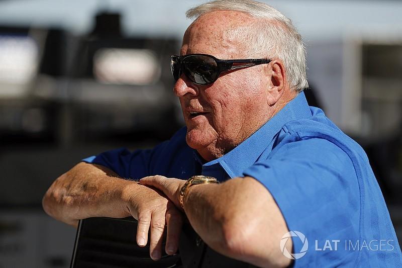 Семиразовий чемпіон IndyCar ледве вижив після нападу бджіл-вбивць
