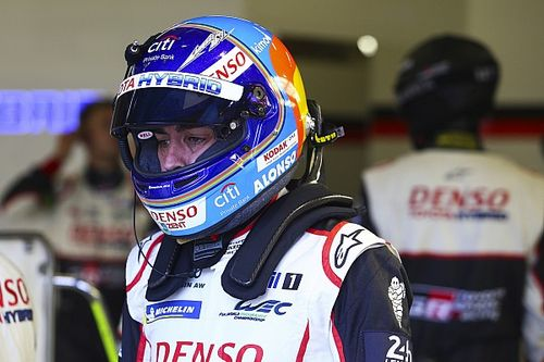 """Los otros dos españoles en Le Mans: """"Alonso tiene que controlar al otro Toyota"""""""
