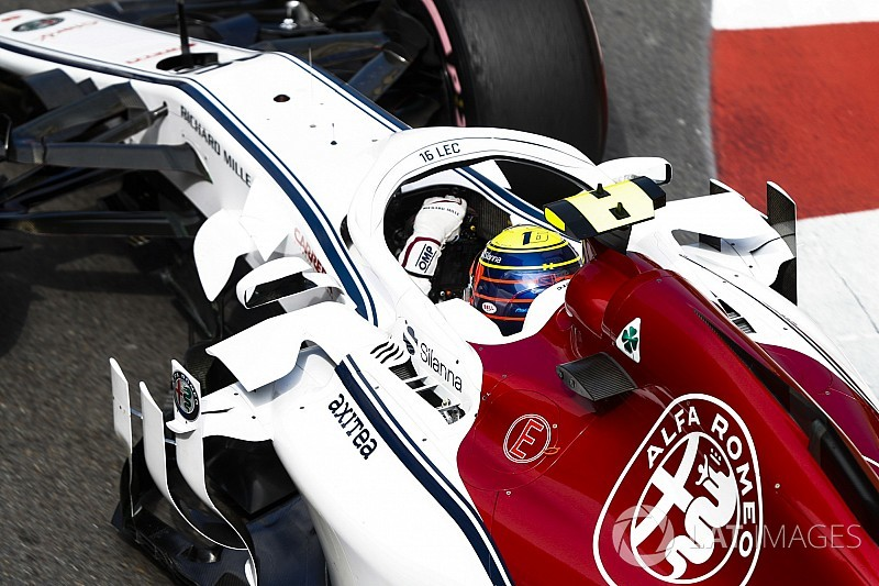 Leclerc, Ferrari'de yarışma hayali kuruyor