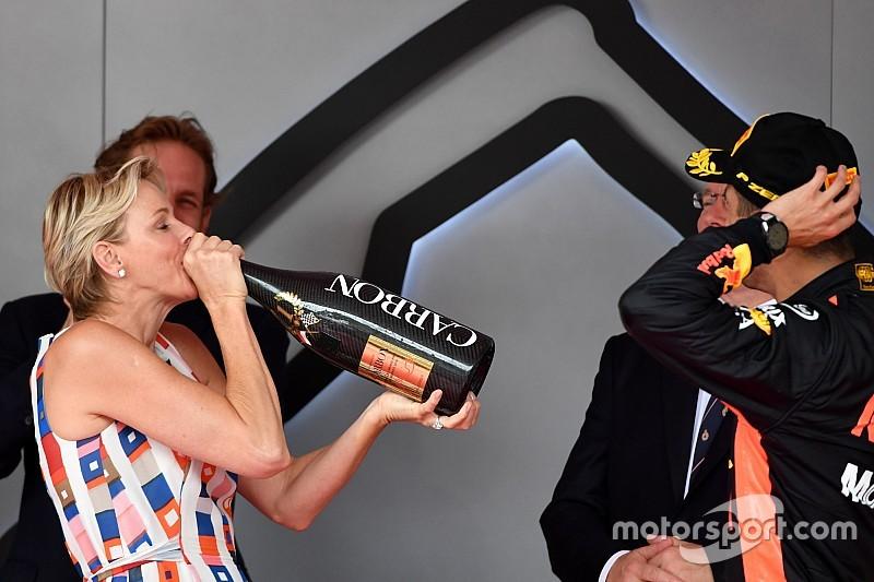 Ricciardo még a hercegnével is pezsgőt itatott Monacóban