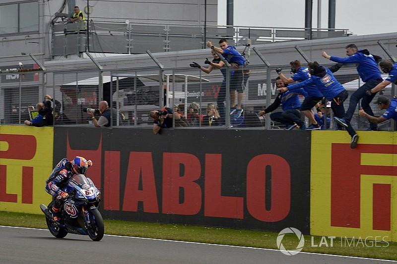 Van der Mark completa el primer doblete de Yamaha desde 2011
