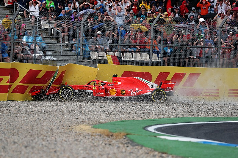 """Rosberg: """"Vettel echó a perder la victoria por presionar demasiado"""""""