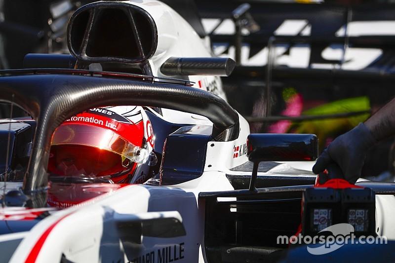"""Magnussen : Les pilotes sont """"aveugles"""" à cause des """"mauvais"""" rétroviseurs"""