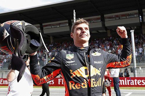 Verstappen vê duplo abandono da Mercedes e vence na Áustria