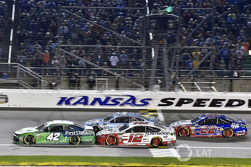 Kyle Larson assessed L1 penalty from NASCAR for rear window issue