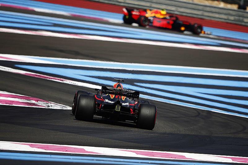 Ricciardo tehetetlen volt sérült kocsival Räikkönen ellen