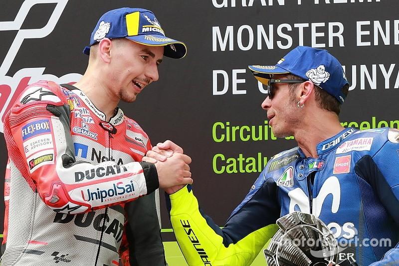 """Lorenzo: """"Auguri Valentino, spero che tu rimanga in MotoGP fino a 46 anni!"""""""
