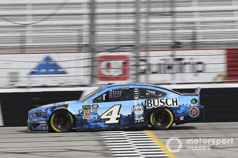 Harvick wins Stage 2 at Atlanta after battle with Larson