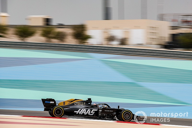 Grosjean sets early pace as rain disrupts Bahrain F1 test