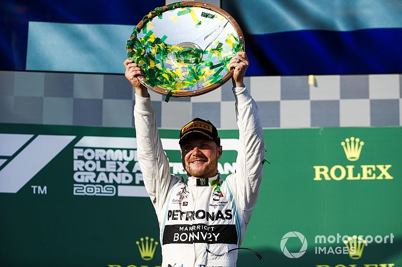 Australian GP: Bottas takes dominant win as Ferrari struggles