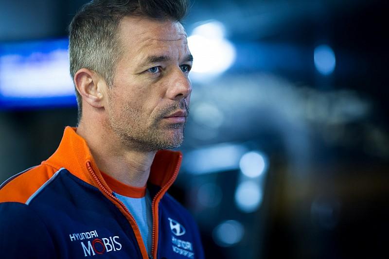 WRC, spavento per Loeb: fa un incidente nelle ricognizioni in Cile con un furgone