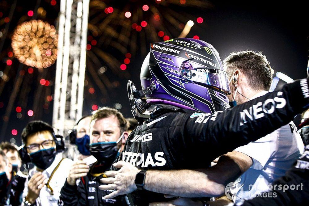 Internationale media: Spektakelstuk dankzij Hamilton en Verstappen