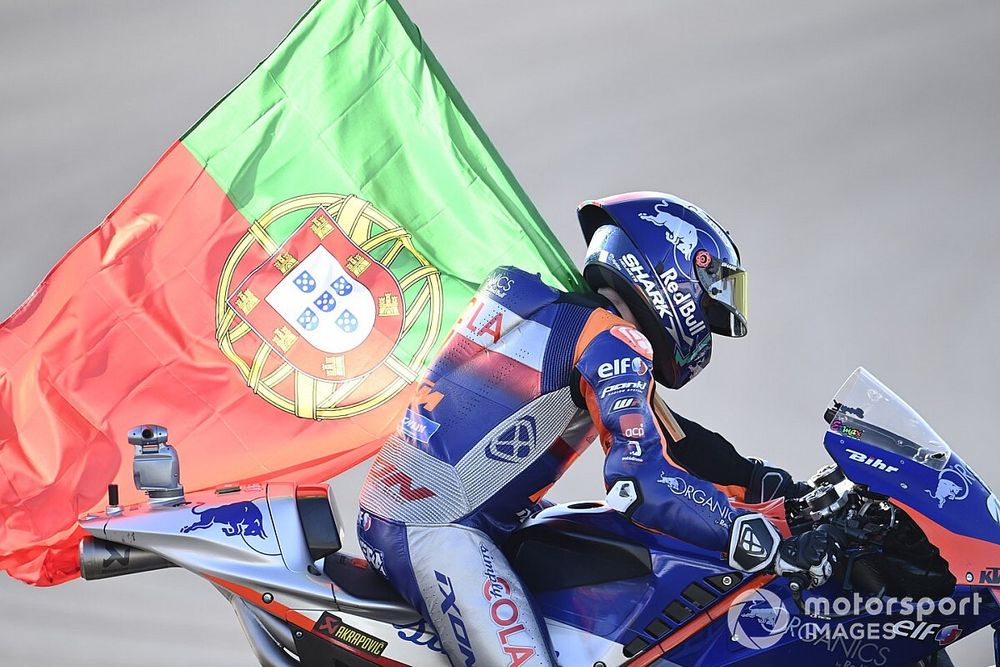"""Oliveira had to """"manage emotions"""" throughout Portuguese GP"""