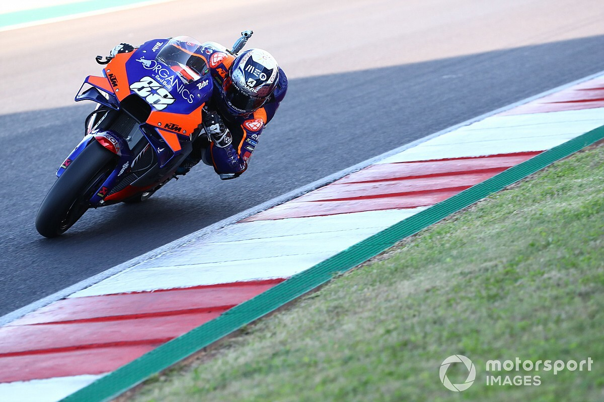 Oliveira stunt met pole-position in de Grand Prix van Portugal