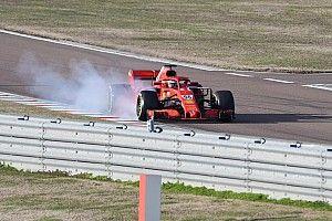 Vídeos: así fue el debut de Sainz con Ferrari F1