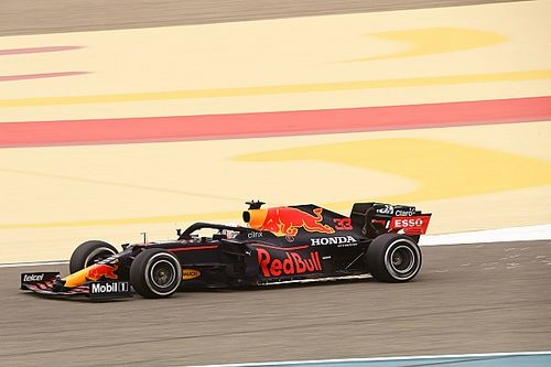 Mercedes stawia Red Bulla pod presją